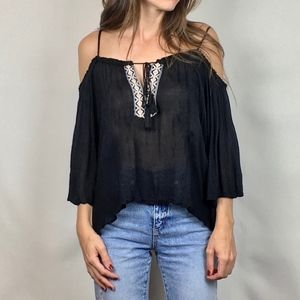 (BE COOL) Off the Shoulder Top